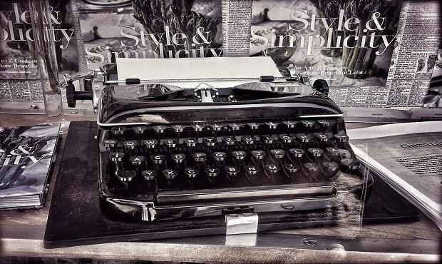 ¿Sabías que Mark Twain fue el primer autor en presentar a su editor un libro escrito a máquina?