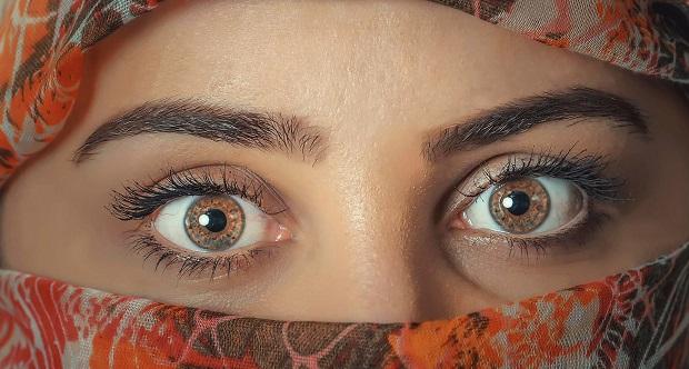 ¿De dónde proviene la expresión 'Ser la niña de sus ojos'?