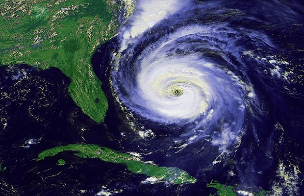 ¿De dónde surge bautizar los huracanes con nombres de personas?
