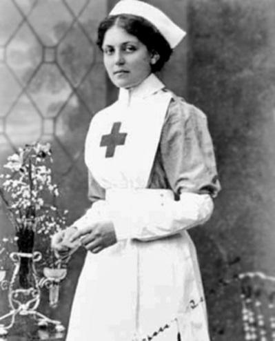 La curiosa historia de Violet Jessop, la camarera que sobrevivió a tres accidentes marítimos