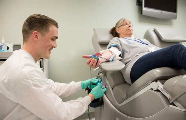 ¿Se puede donar sangre después de haber ido al dentista?