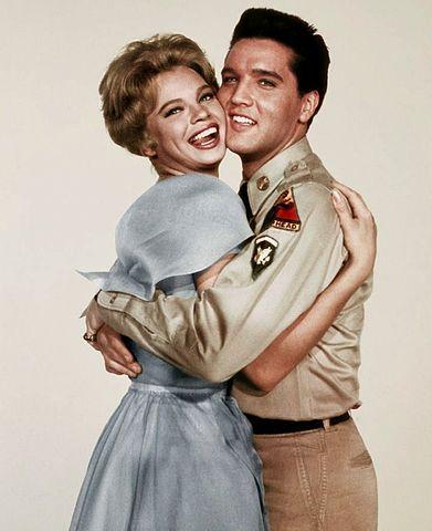 Los escarceos sexuales de Elvis Presley con la novia de Frank Sinatra