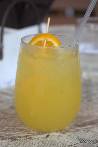 ¿De dónde surge el combinado de vodka y zumo de naranja conocido como 'destornillador'?