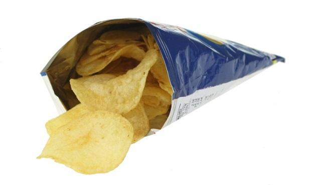 El curioso y lógico motivo por el que las bolsas de patatas chips llevan tanto 'aire' en su interior