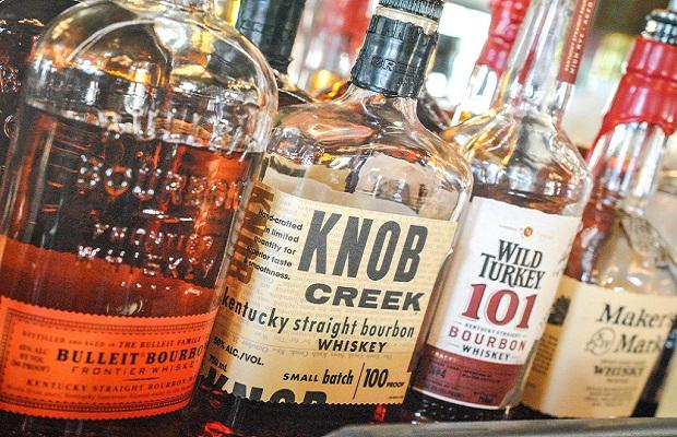 ¿Sabías que el whisky 'bourbon' recibió su nombre como homenaje a los 'Borbones'?