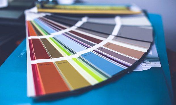 Cinco tonalidades de colores que llevan el nombre o apellido de un personaje