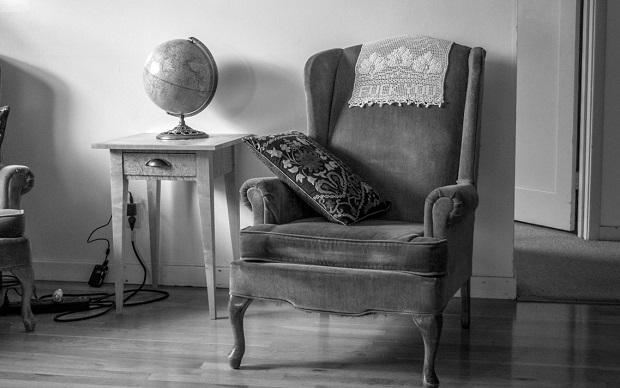 El curioso origen del 'antimacasar', el paño donde se apoya la cabeza en algunos asientos