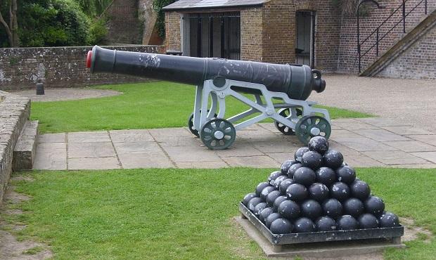 El curioso origen del término 'metralla'