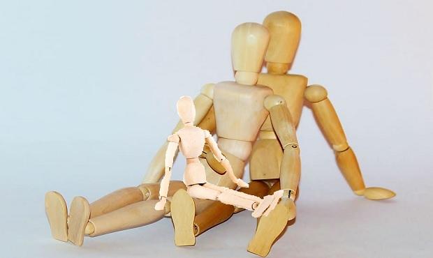 ¿De dónde surge la expresión 'hacer un hijo de madera' y cuál es su verdadero sentido?