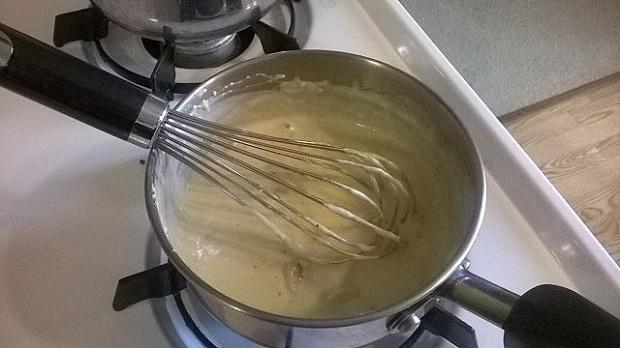 ¿De dónde surge el nombre de la 'salsa bechamel'?