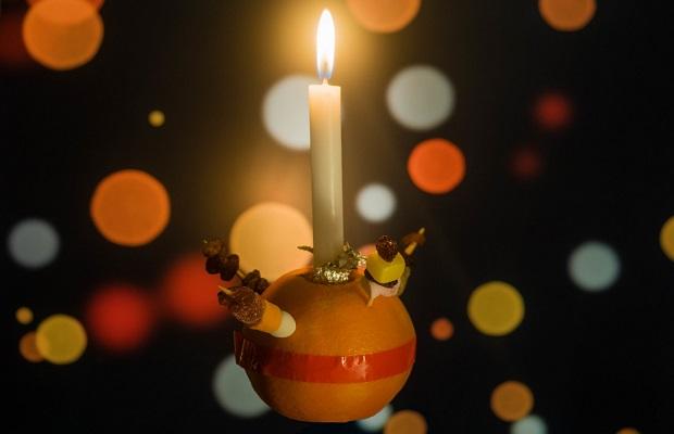 'Christingle', la naranja decorada durante el Adviento y usada para adorar al niño Jesús