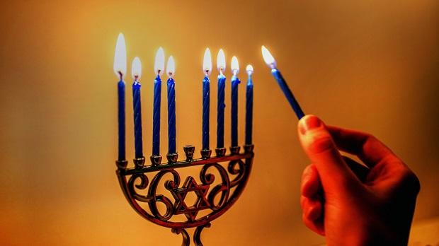 El Hanukkah no es la Navidad judía
