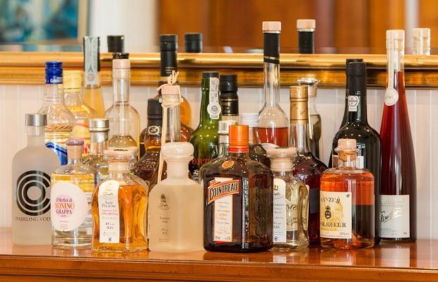 La curiosa etimología del término 'alcohol'