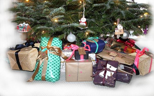 Quiénes son los encargados de traer los regalos navideños (I)