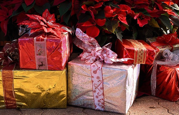 ¿Quiénes son los encargados de traer los regalos navideños? (II)
