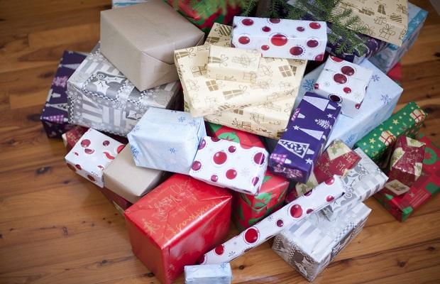 ¿Quiénes son los encargados de traer los regalos navideños? (IV)