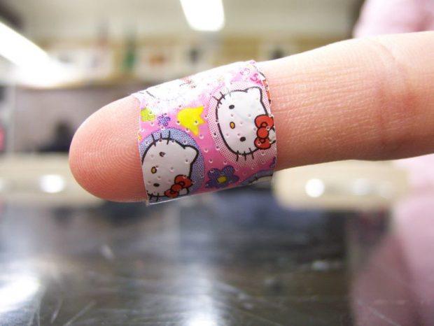 El curioso motivo por el que alivia lamer sobre una herida