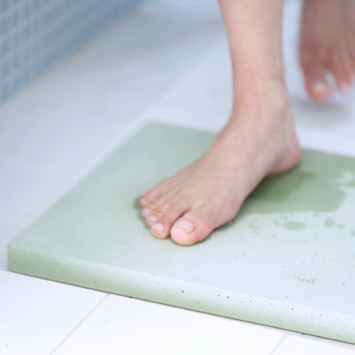 Descubre la diatomea, el material milagroso y ecofriendly con el que se hacen estas alfombras de baño de diseño japonés que darán un estilo único a la decoración de tu pequeño Spa doméstico, de la mano de los profesionales de las reparaciones del hogar de Reparalia.