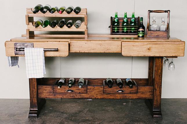 Imag nate estas 10 mesas de carpintero decorando tu casa for Mesa ayudante de cocina