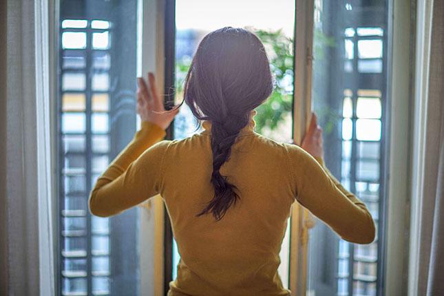 Los profesionales en reparación de averías del hogar de Reparalia te traen 10 consejos para asegurar tu casa antes de salir de vacaciones, frente a robos, fugas y otros problemas típicos de Semana Santa, Verano y Navidad.
