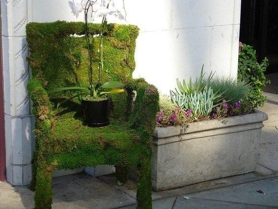 Los profesionales de las reparaciones de Reparalia te traen algunas ideas de reciclaje para convertir un objeto desahuciado en una silla, taburete, mecedora o sillón.