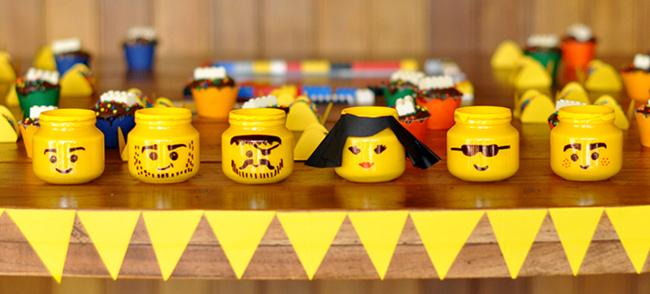 Los expertos en todo tipo de reparaciones del hogar de Reparalia, disponibles 24/7 en toda España, te traen ideas de manualidades para jugar con tus hijos y enseñar a los niños a reciclar y ahorrar, creando sus propios juguetes a partir de envases como el artista Eric Barclay