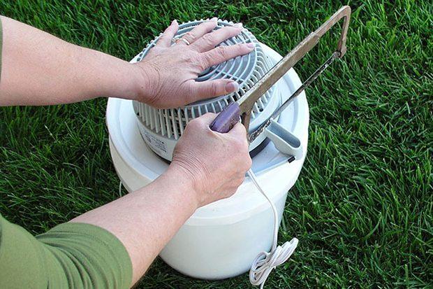 Los expertos profesionales en reparación de todo tipo de roturas y averías del hogar de Reparalia, te traen ideas, trucos y consejos para no sufrir el calor del verano con esta manualidad DIY de un aire acondicionado portátil, casero y low cost.