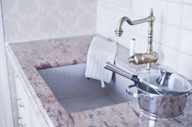 Los profesionales de las reparaciones de averías del hogar de Reparalia te traen ideas, trucos y consejos de limpieza e higiene en casa que te ayudarán a ahorrar y conservar el medio ambiente.