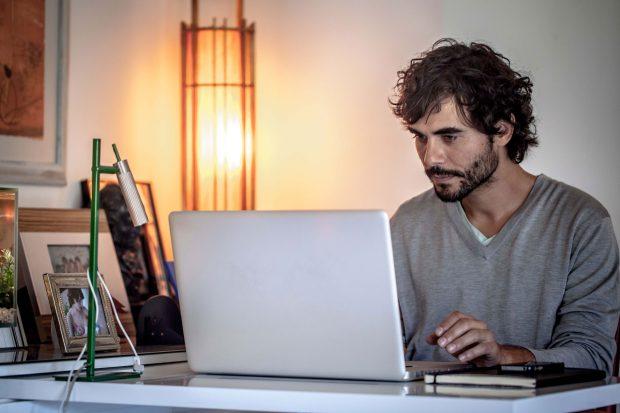 Ángel Tecnológico es el Seguro de Protección para tu ordenador PC o MAC con asistencia remota 24 horas como ayuda para la instalación de programas y aplicaciones y seguridad frente a virus y malware