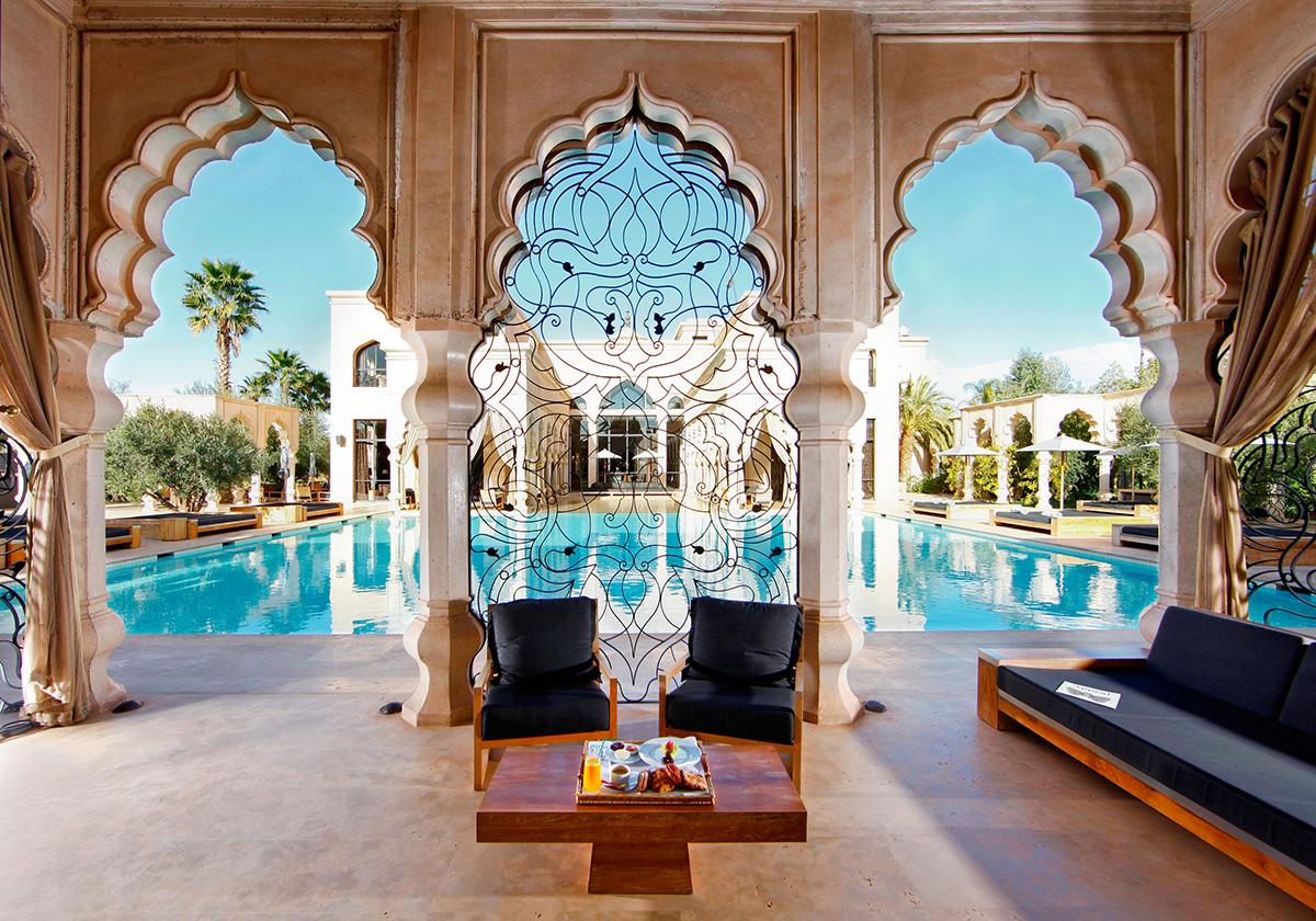 Decoraci n por pa ses 5 fantas a y lujo de estilo rabe for Muebles estilo arabe