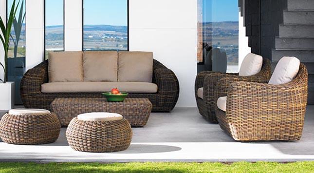 Capit n planeta un hogar con mucho oficio for Muebles de rattan sintetico en easy