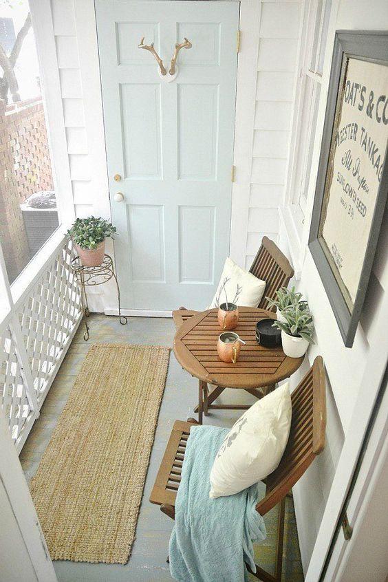 Moda y tendencias del hogar: los 5 estilos para reinventar tu terraza o balcón este verano, de la mano de los expertos en reparación de todo tipo de averías de tu hogar.
