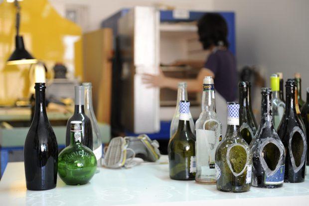 Entrevistamos en HomeServe España a Lucía Bruni, Upcycler profesional y artesana de referencia en el mundo del diseño sostenible, y la creatividad aplicada al reciclaje