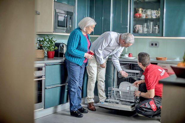 Los expertos en reparación de averías del hogar de HomeServe te traen ideas y consejos para ahorrar más en Navidad y en todo este invierno