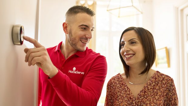 6 trucos y consejos para ahorrar en casa este Día de la Eficiencia Energética conociendo mejor tus electrodomésticos y la domótica con HomeServe
