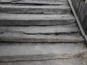 Escaleras de acceso a la Casa de Campo desde Aravaca