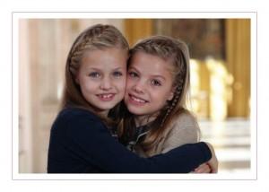 La princesa Leonor y la infanta Sofía en la felicitación navideña de 2015 de la Casa Real (Casa Real).