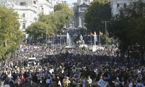 Imagen de la primera marcha estatal contra la violencia machista (J. J. Guillén/EFE).