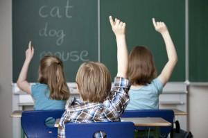 Un grupo de niños, aprendiendo inglés en clase (Gtres).