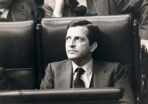 Adolfo Suárez, sentado en el hemiciclo del Congreso de los Diputados (Gtres).