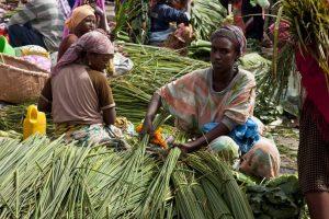 Mujeres trabajando en un mercado de Etiopía (Gtres).