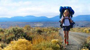 Una chica viajando sola (Esquire).