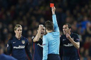 Tarjeta roja a Fernando Torres (EFE).