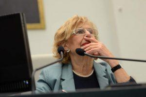 La alcaldesa de Madrid, Manuela Carmena, durante un pleno en el Ayuntamiento (EUROPA PRESS).