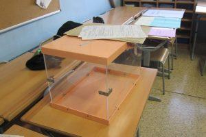 Urnas en jornada electoral (Europa Press).