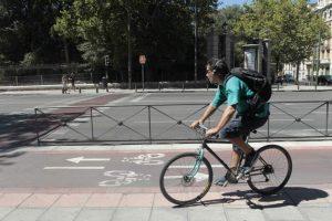 Un ciclista por Madrid.