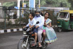 Circulación en Nueva Delhi (EFE)