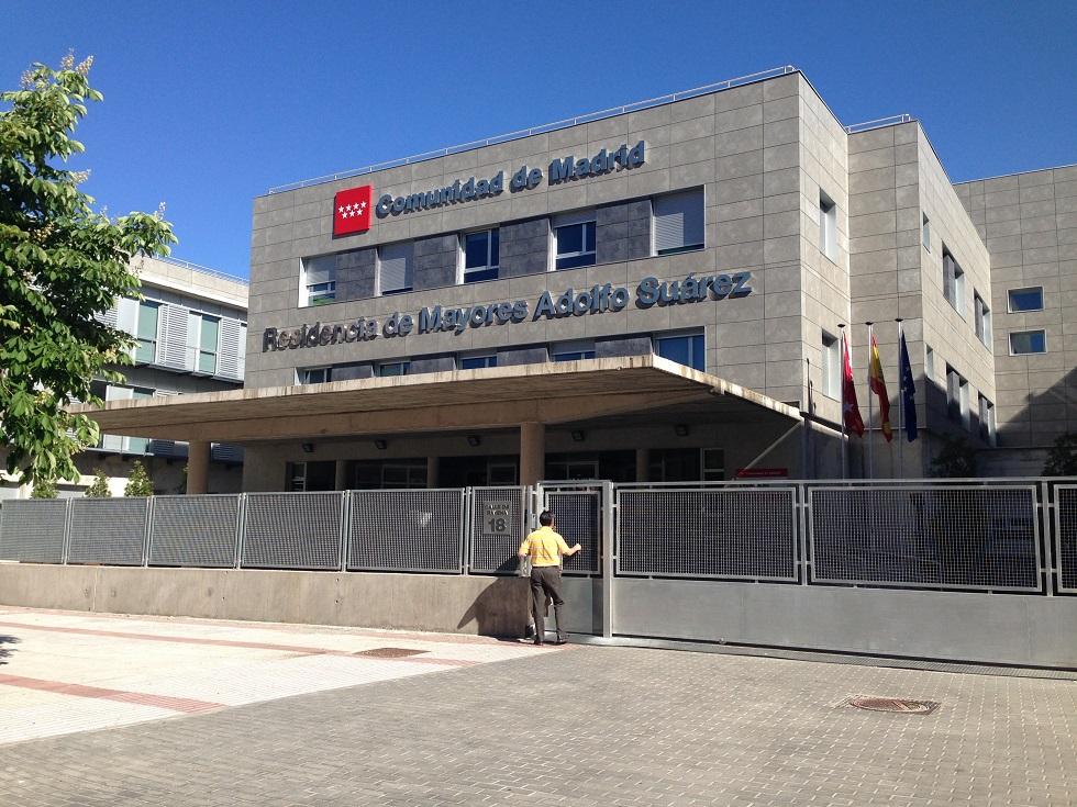 Entrada de la residencia de ancianos 'Adolfo Suárez' de Madrid
