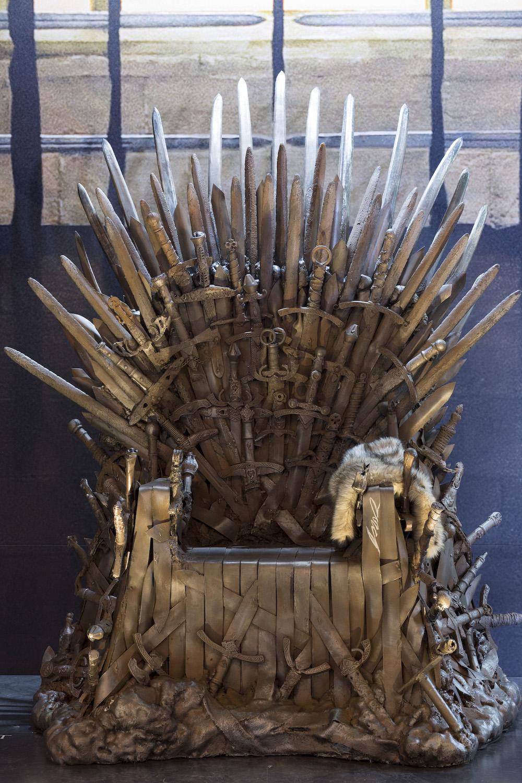 La exposici n de juego de tronos un paseo por la realidad for Silla juego de tronos