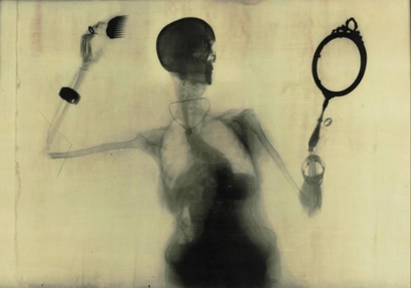 """""""Donna che si pettina"""", 1999"""